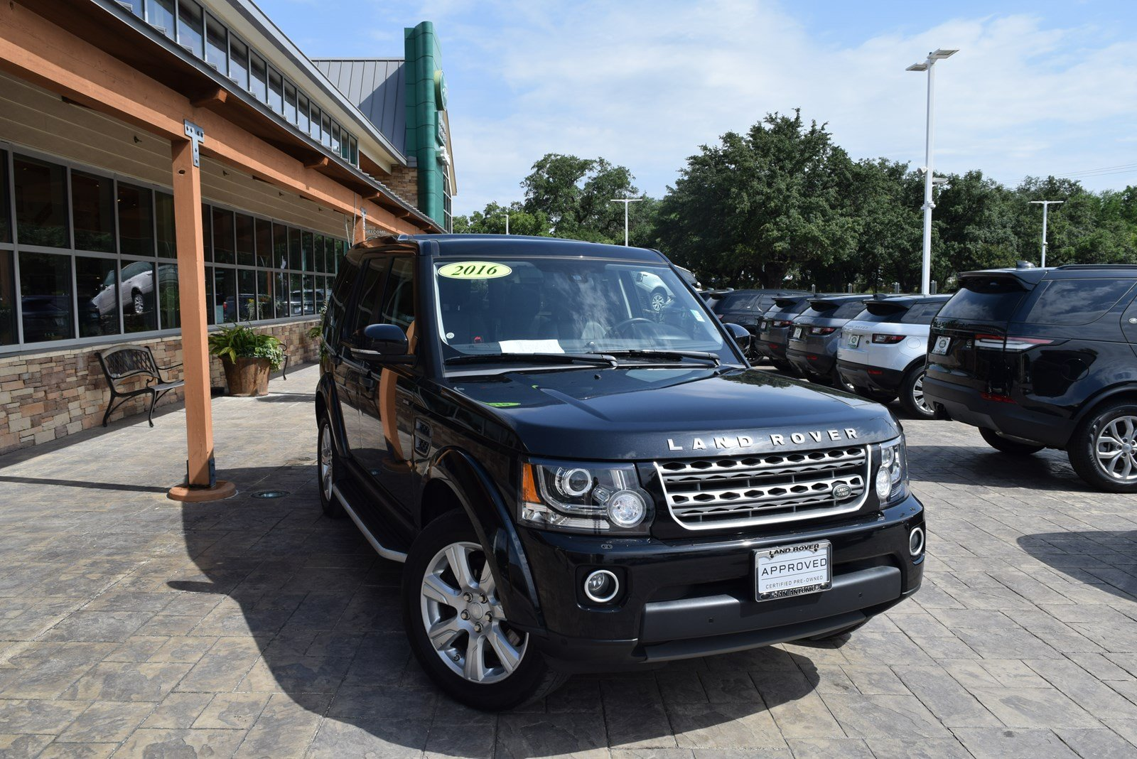Certified Pre-Owned 2016 Land Rover LR4 HSE CLIMATE AND TOW PACK 6YR 100K WARANTY