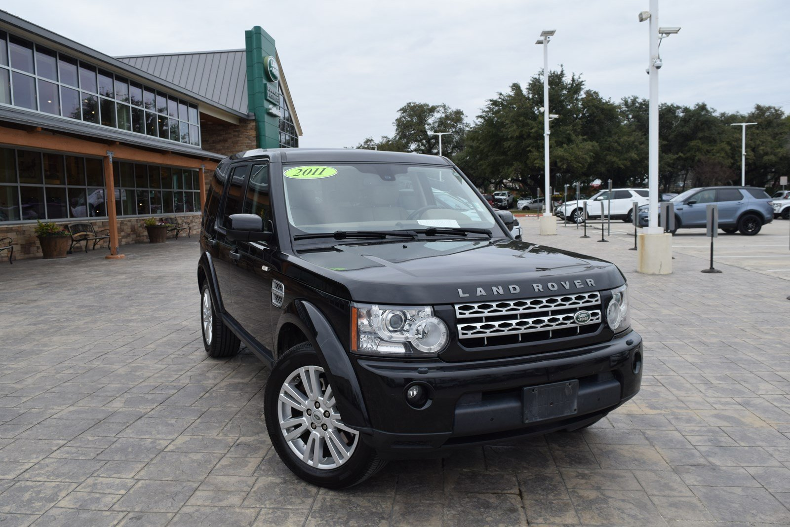 Pre-Owned 2011 Land Rover LR4 LUX