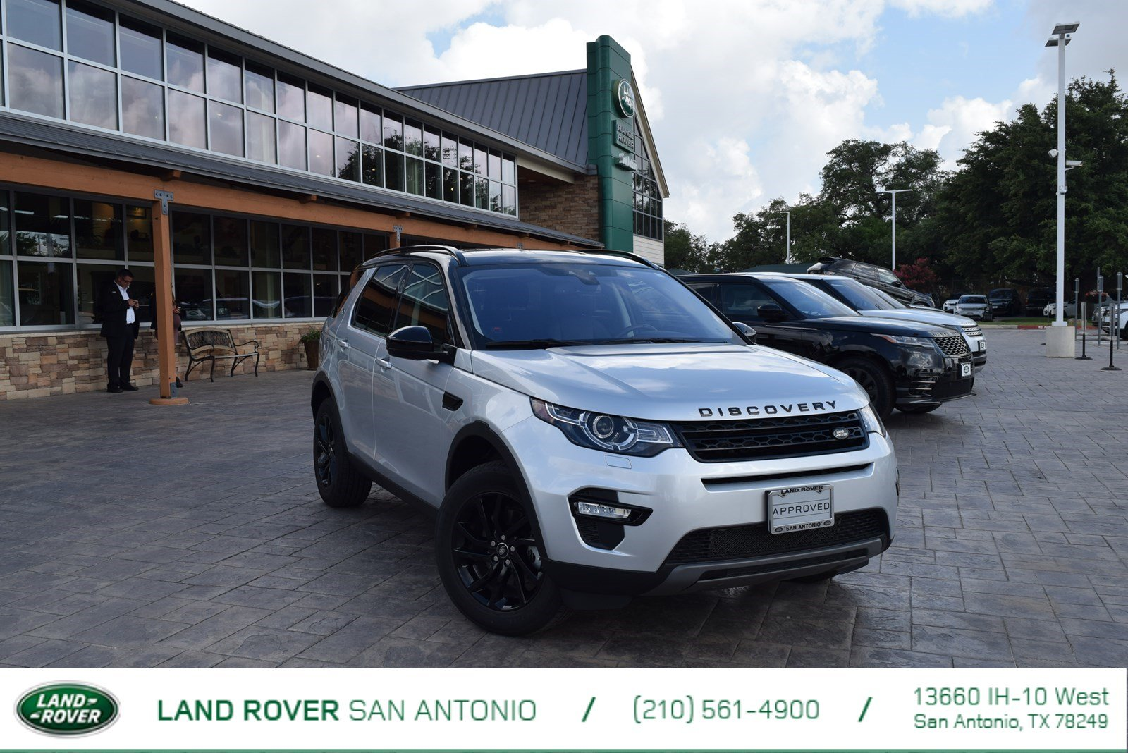 landrover cars reviews rating motor se land discovery tows ton and rover trend train road