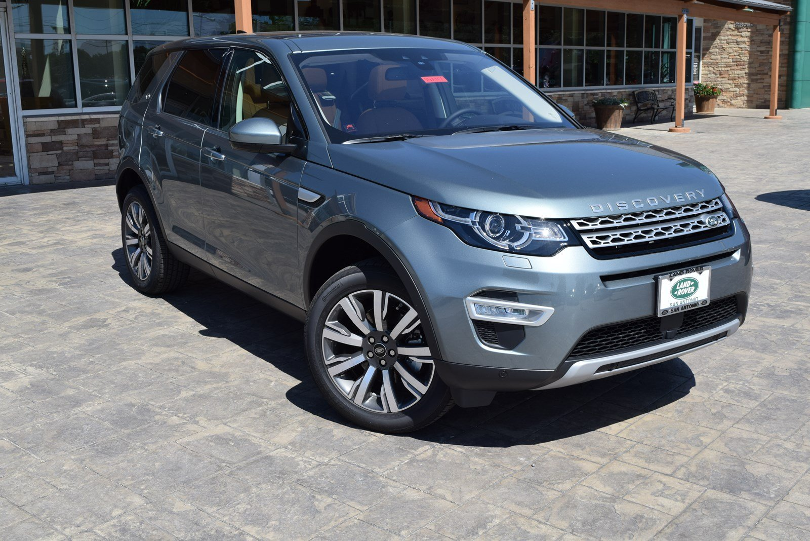 New 2018 Land Rover Discovery Sport HSE Luxury With Navigation & 4WD