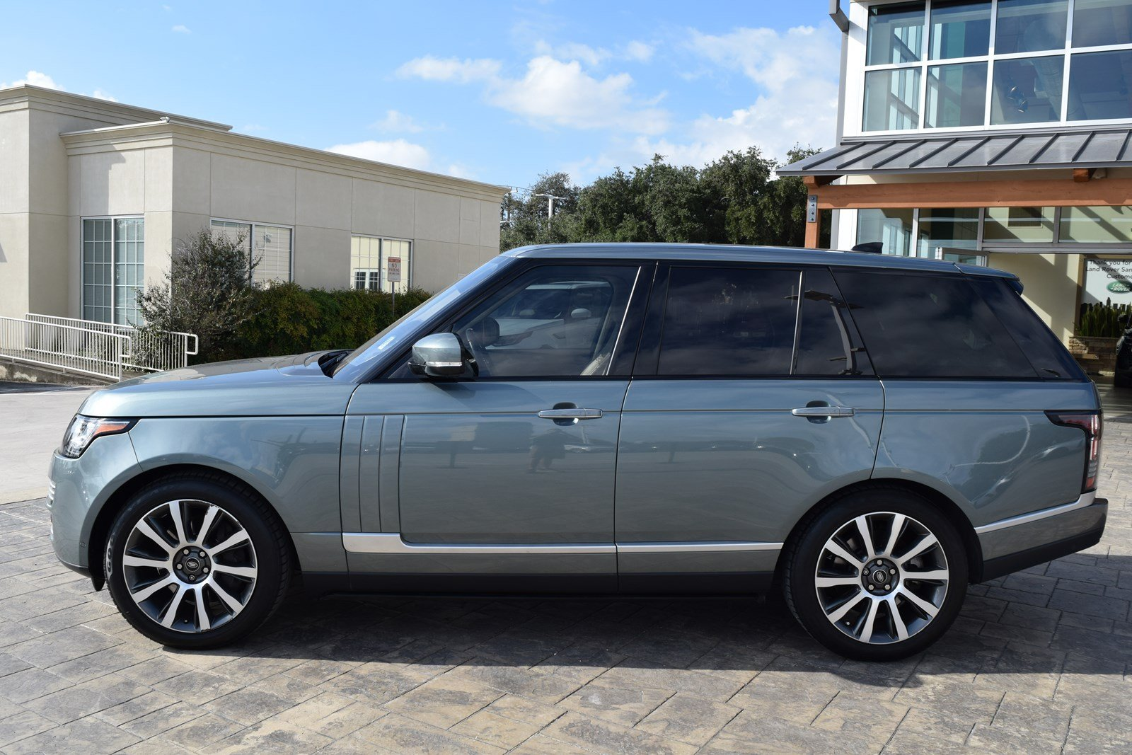 Certified Pre Owned 2017 Land Rover Range Autobiography 4 Door V8 Cooling System