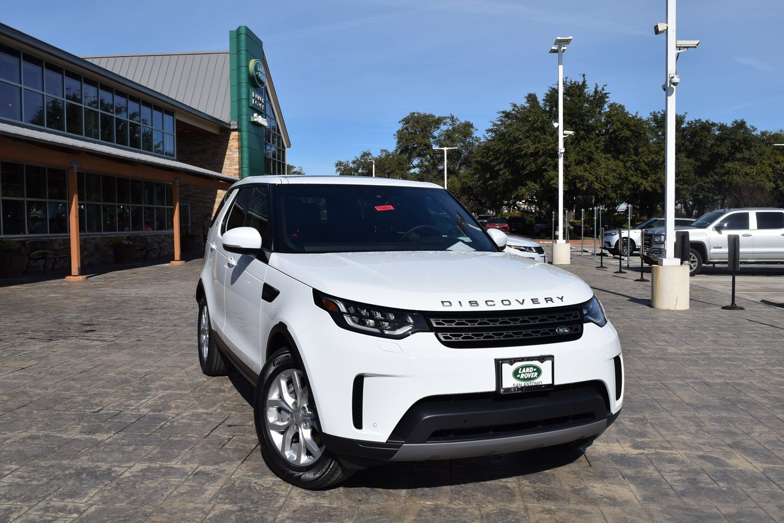 Land Rover Discovery San Antonio >> New 2019 Land Rover Discovery Se Suv In San Antonio 972241 Land