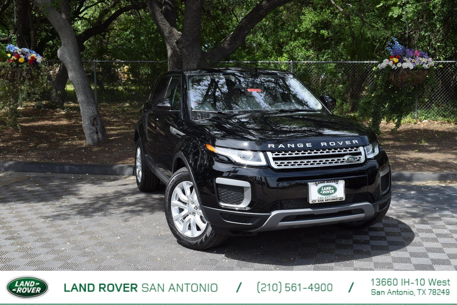 2017 Land Rover Range Rover Evoque With Navigation & 4WD